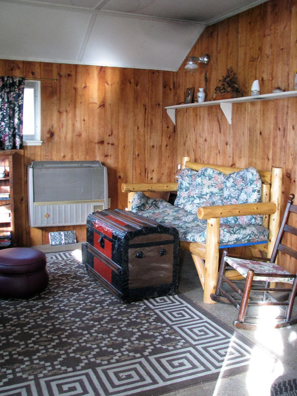 The living room in the Guides' Camp